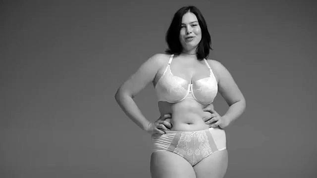 femme-ronde-lingerie