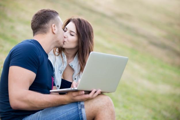 WooPlus : une application de rencontre dédiée aux femmes rondes !