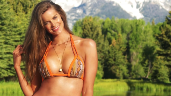 Femmes rondes : Le modèle « grande taille » Robyn Lawley est-elle trop mince ?