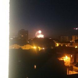 Le feux d artifiste de chez moi. Magnifique.  Et quelle musique ;) #nantes  #villedenantes #chateaunantes