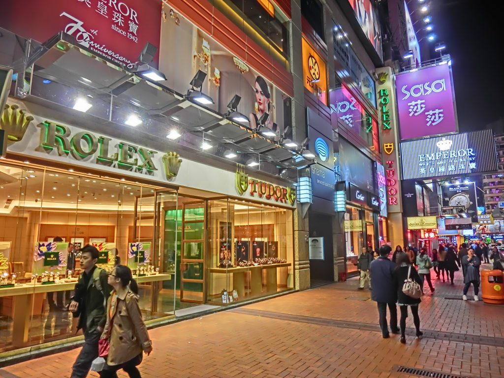 HK_CWB_Russell_Street_night_Shama_Causeway_Bay_Rolex_Tudor_watch_shop_Jan-2014_SaSa_Emperor