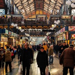Envie de voyager ? Voici les 10 meilleures villes pour acheter des vêtements « grandes tailles ».