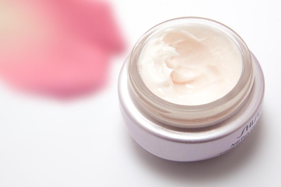 cream-194116_960_720