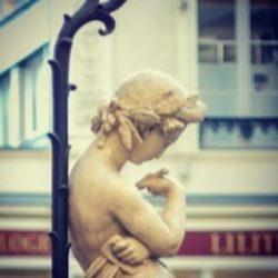 Nous, les femmes ! Photographe: Bernard Moreau.  #love #bloggers #beautiful #beautiful #statue #photoftheday #photos #photography #socialenvy #picture #pleaseforgiveme #vintage #snapshot #instagood #moment #nantes #loireatlantique