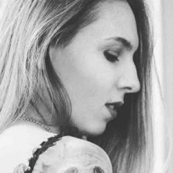 #sideprofileselfie : sur instagram, assumer votre nez !