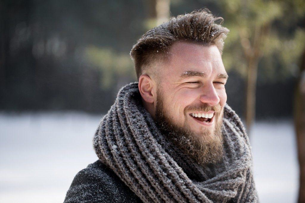 homme moustache