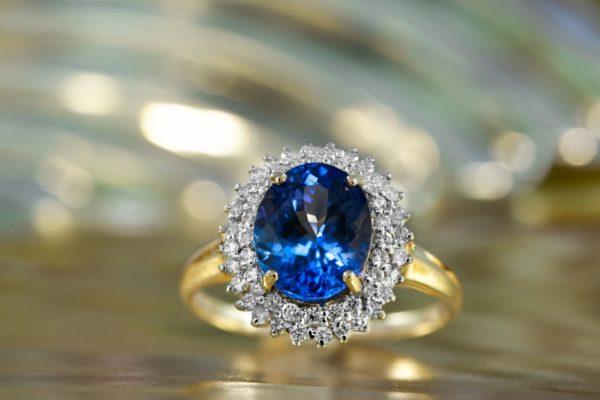 Diamants, saphires, rubis et émeraudes : expertiser ses bijoux pourquoi c'est important ?