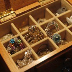 Les bracelets : c'est aussi pour les femmes rondes ! Gros poignets… Et alors ?