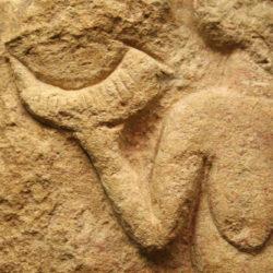Pendant l'art quaternaire, les belles femmes étaient pulpeuses. Découvrez la Vénus de Laussel !