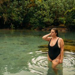RougeGorge : des maillots de bain raffinés et élégants pour femmes rondes !